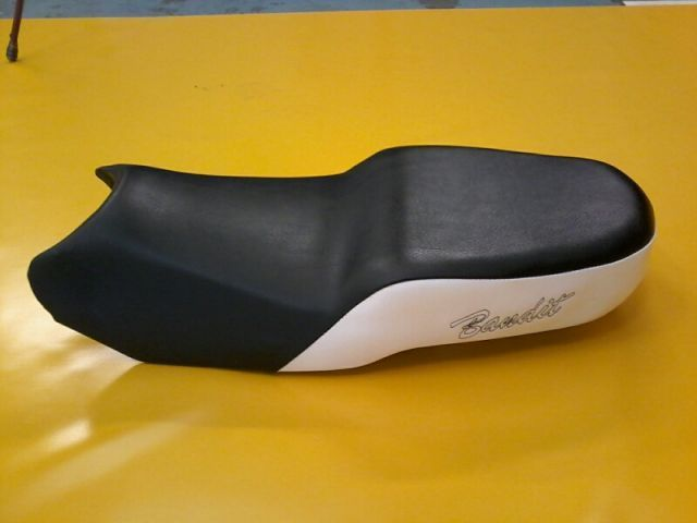 Selle avec Inscription